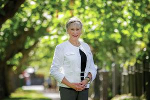 Photo of Rae Tomlinson